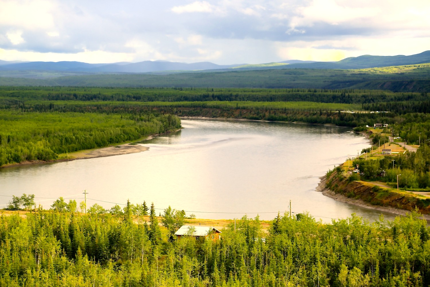 Another Yukon Beauty: Pelly River | Photo: Gurdeep Pandher